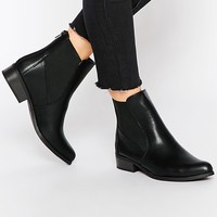 New Look Flat Chelsea Boots