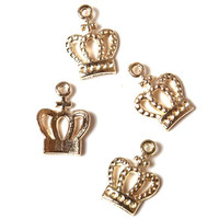 crown pendant b251