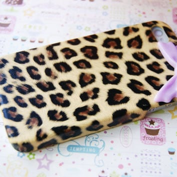 Leopard Cheetah Print with Sleek Purple Lavender Bow Iphone 4 4s Cell Phone Case