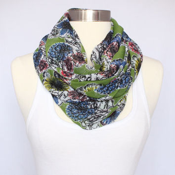 Lightweight Infinity Scarf - Green Floral
