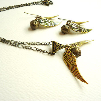 Harry Potter Golden Snitch Necklace & Earrings Set