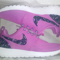 Nike Roshe Run flower heel and swoosh custom