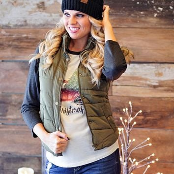 * Monarch Pass Puff Fur Hooded Vest : Olive