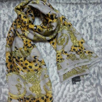 New Versace Women Scarf .made In Italy. 130x130cm. Modal90%+cashmere10%.