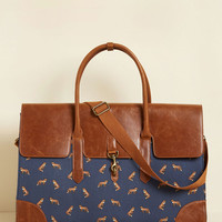 Clever Endeavor Weekend Bag in Fox