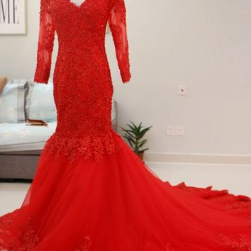 Red Lace Appliques Prom Dresses 3/4 Long Sleeves Mermaid Evening Dress 2018 Sexy V Neck Corset Court Train Women Party Gowns