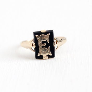 Antique 9k Rosy Yellow Gold Black Onyx English Letter E Signet Ring - Size 8 1/2 Victorian London 1901 Black Gem Signet Initial Fine Jewelry