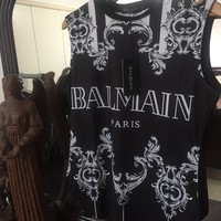 Balmain T Shirt 'Size Large' ( Stunning Victorian Design!!) Must See🔥🔥