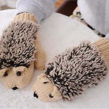 Refers to all the cartoon hedgehog gloves Han edition lovely winter winter gloves female girl knitted gloves [7939203527]