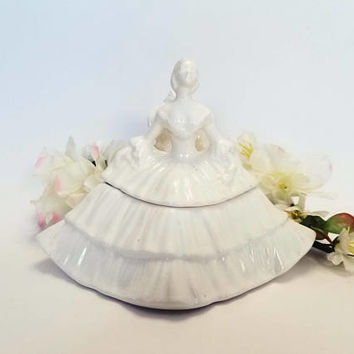 Vintage Porcelain Ceramic Southern Belle Sitting Trinket Box Cotton