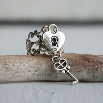 HEART Lock RING Silver Filigree Vintage Style Romance Fairy Tale Princess Key to My HEART Steam Punk Lock & Key Ring