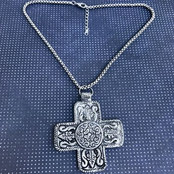Boho Chic Filigree Cross Pendant Choker Necklace 9665ff999f