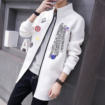 The new men 's stand collar long windbreaker Korean version of personality Slim letter printing leisure windbreaker jacket
