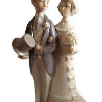 Collectible Lladro Bride and Groom Figurine
