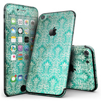 Grunge Teal Damask Pattern - 4-Piece Skin Kit for the iPhone 7 or 7 Plus