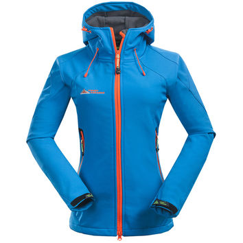 2016 Women Softshell Hiking Jackets Outdoor Camping Escalada Coats Thermal Waterproof Windproof Spring Female Jackets RW001