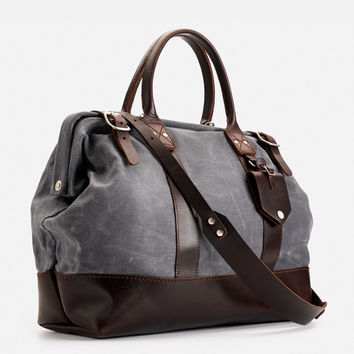"No. 165 16"" Carryall"