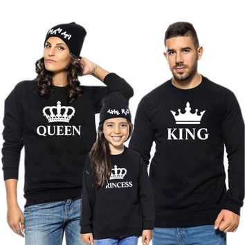 Cool family matching outfits king queen prince princess t shirt for father mother son daughter sweatshirt mommy and me clothes sisterAT_93_12