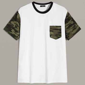 Men Contrast Neck Camo Print Pocket Patched Tee
