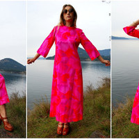 60s 70s Hawaiian Bright Pink Bell Sleeve Floral Maxi Dress //  Medium - Large // Vintage Liberty House Hippie Festival Beach Dress