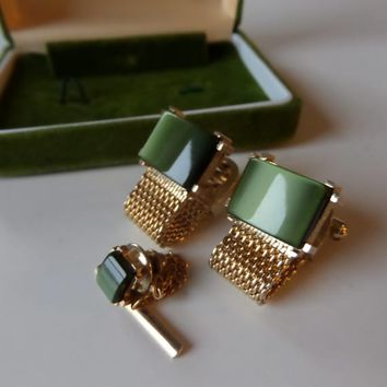 SWANK Green & Gold Cuff Link Set with Tie Tack, Vintage Mid Century Gold Mesh Wrap Around Cufflinks, Like New in Box