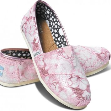 TOMS Pink Gabe Lacktman Glitter White Damask Women's Classics Slip-On Shoes,