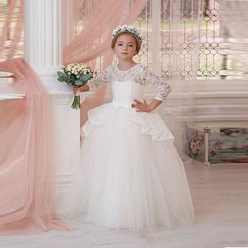 DF545 Cheap White Lace Ball Gown Flower Girl Dresses With Bows Floor Length First Communion Dresses For Girls Customized
