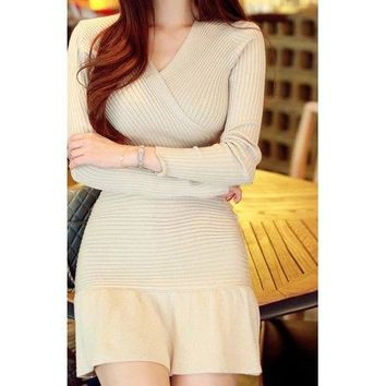Fashionable V-Neck Solid Color Packet Buttock Knitted Long Sleeve Women's Dress