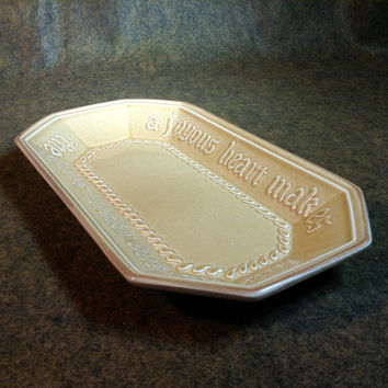 Vintage PLFALTZGRAFF  #528 Bread or Loaf Plate with Inscription / Quote - A Joyous Heart Makes The Loaves Taste Better - Made USA