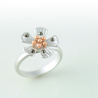 Floral Ring in Silver. Flower Ring. Adjustable Ring. Whimsical Ring. Nature Inspired.