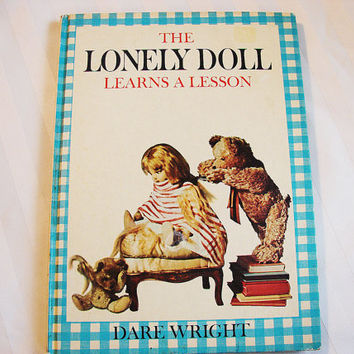 Dare Wright The Lonely Doll Learns a Lession Book Hardback 1961  Vintage Childrens Book