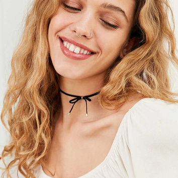 Velvet Bow Choker Necklace - Urban Outfitters