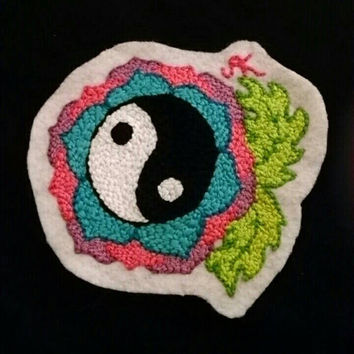 Ying Yang Flower Sew-on Felt Patch Handstitched Embroidery