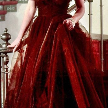 2017 Classic Inspired by Marilyn Monroe Celebrity Dress Dark Red Off Shoulder Tulle Long Evening Dress Prom Dress Evening Gowns