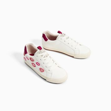 EMBROIDERED PLIMSOLLS Look+: 1 of 3