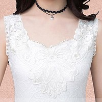 Elegant Flower Embroidery Lace Blouse