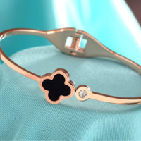"""""""Cartier""""18 k rose gold plated first act the role ofing is tasted openings clovers titanium steel bracelet female black Mosaic gold bracelet chain"""