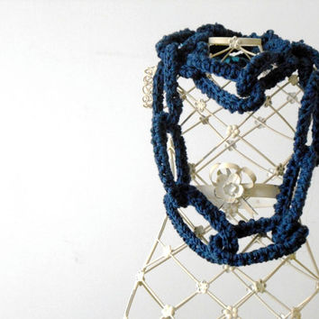 deep teal chain scarf, circle scarf,chunky crochet scarf, wool necklace