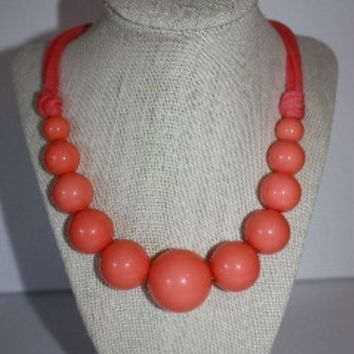 Wilma Jumbo Bead Necklace - Coral