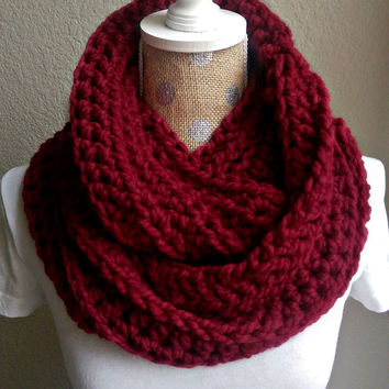 Super Chunky Crochet Scarf, Crochet Warm Fall Scarf, Crochet Infinity Scarf, Chunky Infinity Scarf, New Fall Accessory, Red Fall Accessories