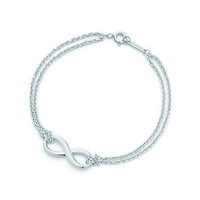 Tiffany & Co. - Tiffany Infinity bracelet in sterling silver, medium.