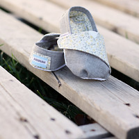 PATTERN: TOMS-Inspired Baby or Toddler Shoes - PDF Pattern and Tutorial