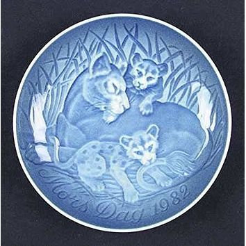 1982 Bing & Grondahl Mother's Day Plate - Lioness & Cubs
