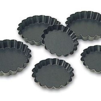 "Matfer 332658 4"" Non-Stick Scalloped Quiche Mold"