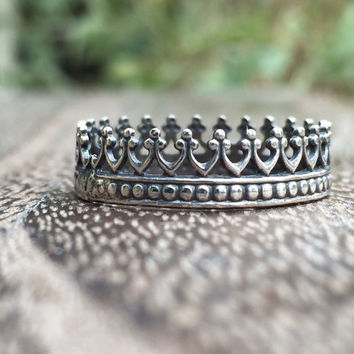 Delicate Crown Ring in Sterling Silver