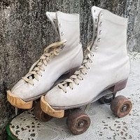 Vintage Woman's White Leather Roller Skates Size 6 1/2 Chicago Roller Skate Company
