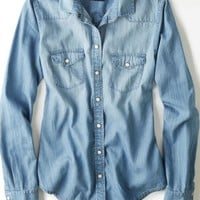 AEO 's Chambray Shirt (Medium Wash)