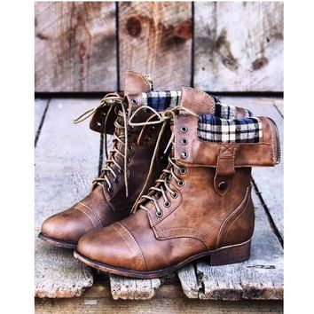 Classic Women's Winter Shoes Mid Calf Boots for Sexy Ladies Warm Fur Buckle Combat Ankle Boot