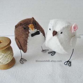 Woodland Wedding - Cake Topper Birds in dark brown and white