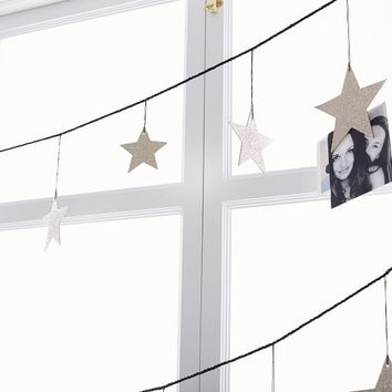 The Emily & Meritt Star Photo Garland
